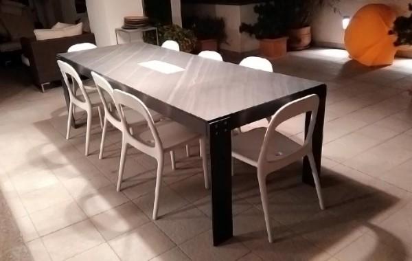 Tavolo in Ocean Black
